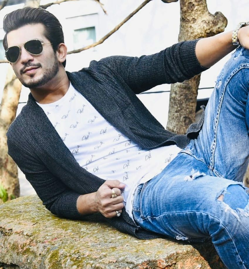 Dare to bare : Hot Indian TV Actors : Yuvraj Thakur