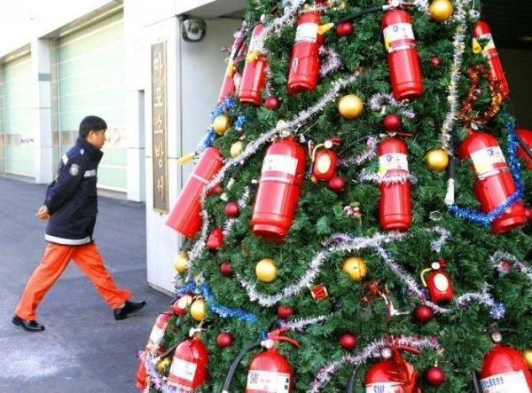 fire extinguisher Christmas tree - Fire Extinguisher Christmas Tree Rescue Me Christmas, Christmas