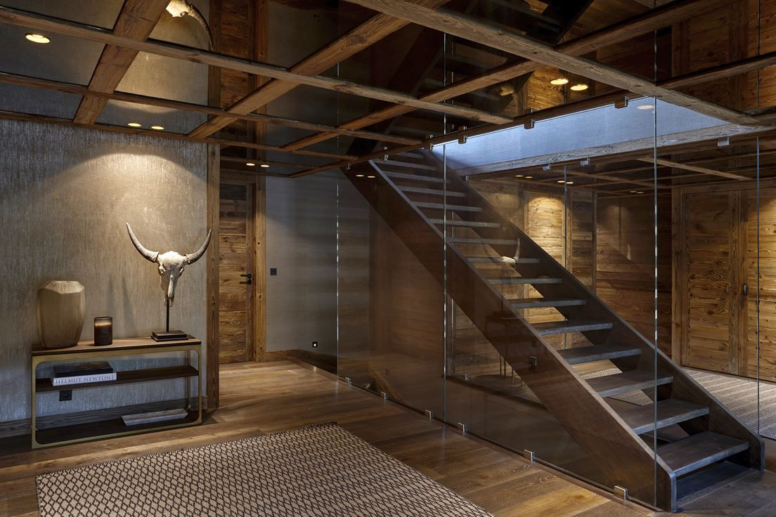 Лестница в стиле шале фото
