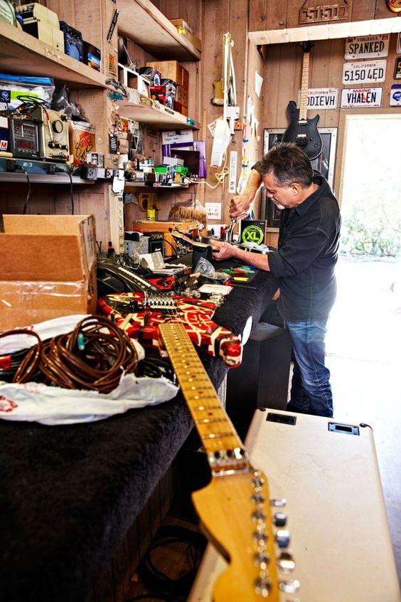 How Eddie Van Halen Hacks a Guitar Eddie van halen, Van