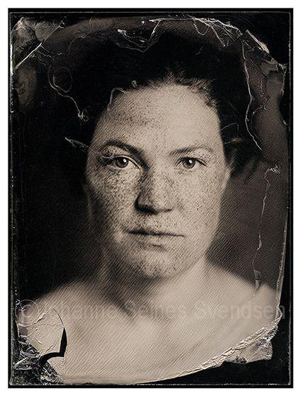 Det langsomme fotografiet. Kollodium våtplate er en fotografisk teknikk som opprinnelig ble brukt i perioden 1851-1880. Artikkel på Foto.no   Og sjå moderne eksempel her: http://sallymann.com/ Og meir om ho her: http://www.pbs.org/art21/slideshows/sally-mann/artist-at-work