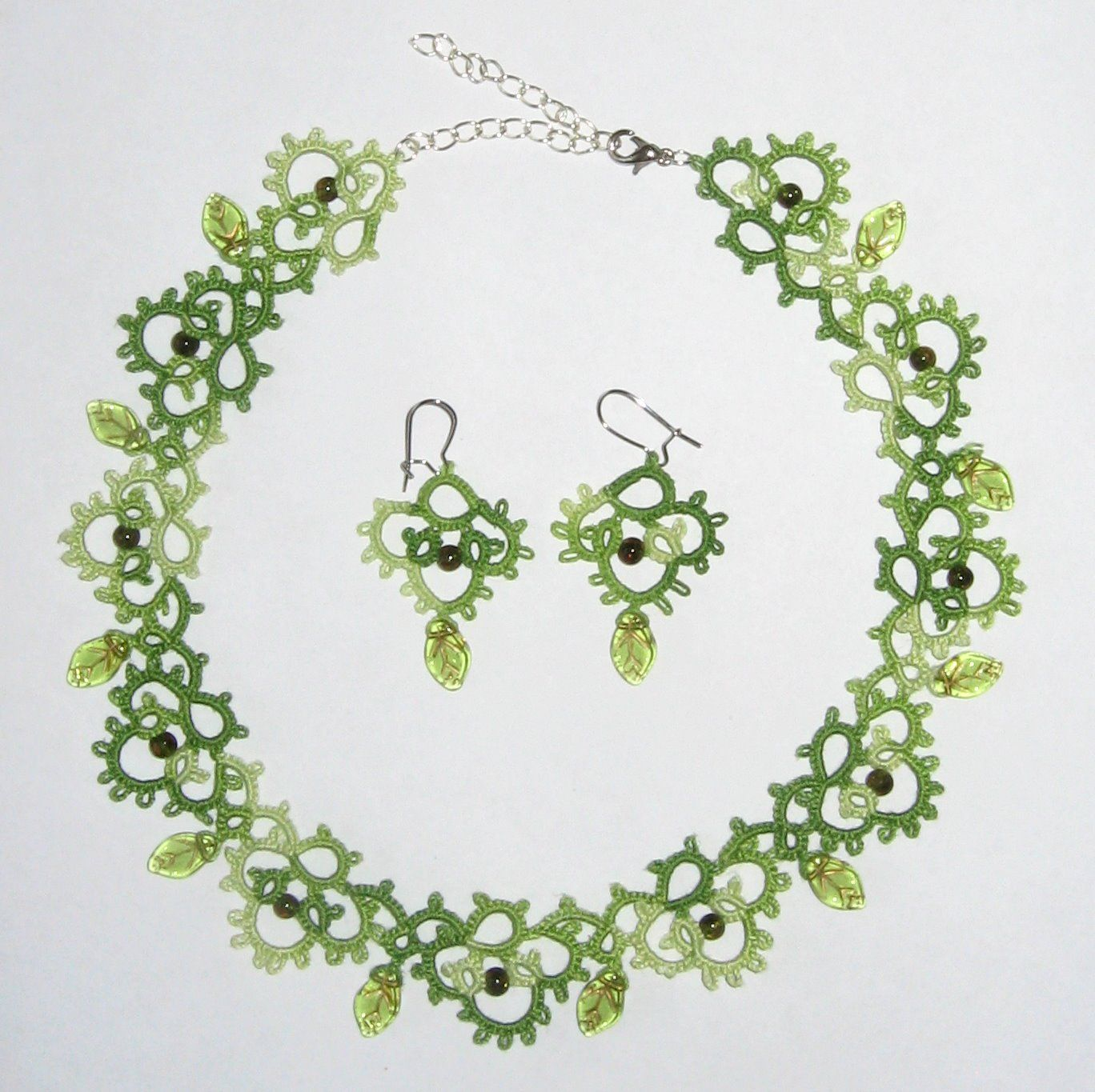 tatted jewelry   Green handmade necklace and earrings, retro lace and beads » Little ...