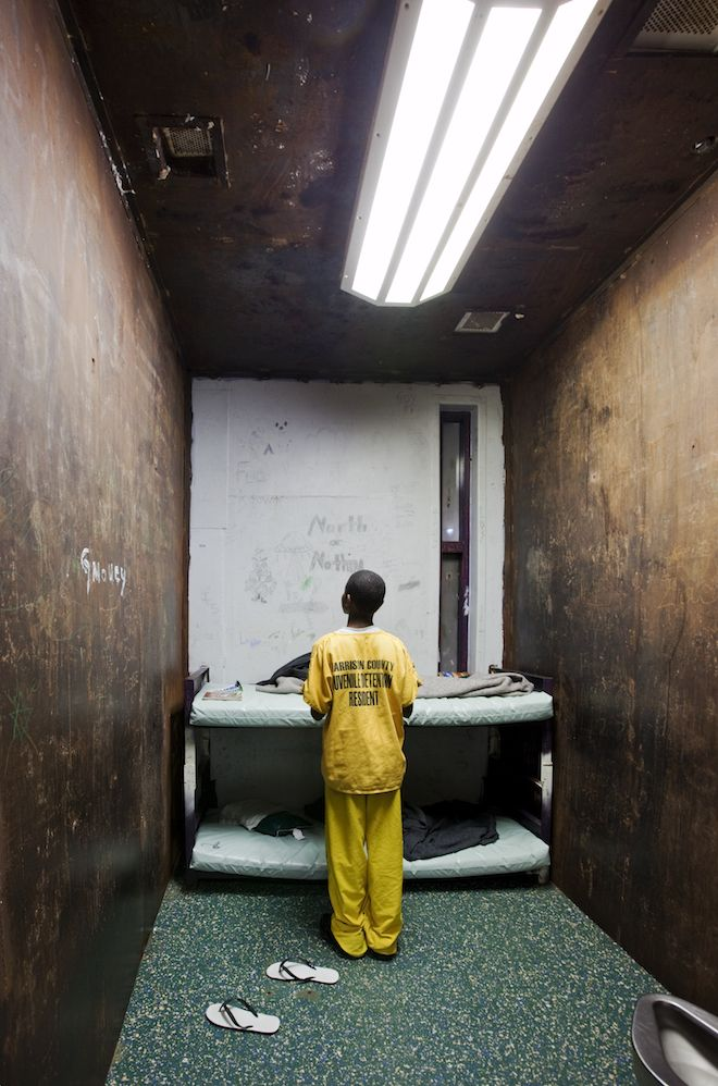 Uncompromising Photos Expose Juvenile Detention In America From