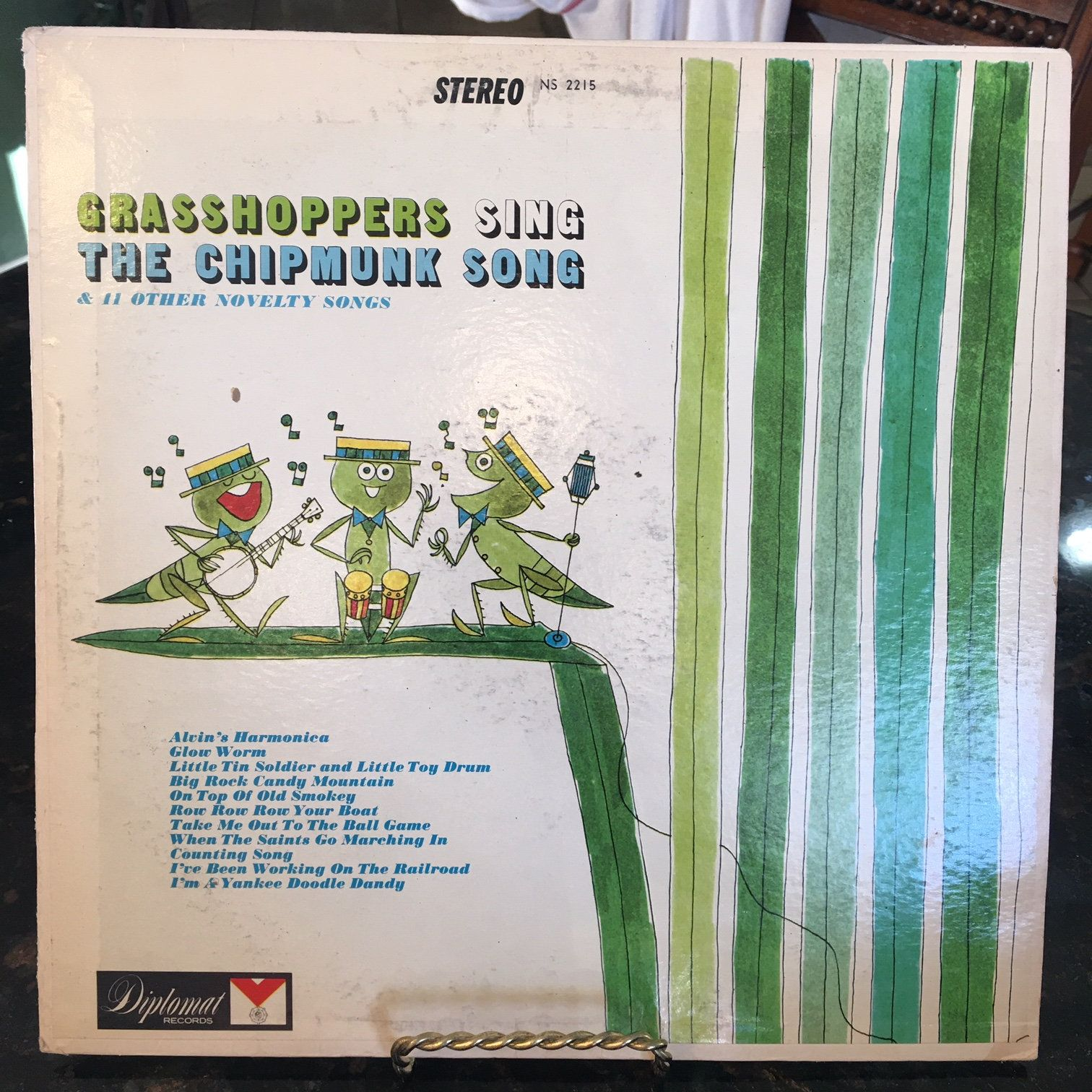 Grasshoppers Sing The Chipmunk Song Ds Diplomat