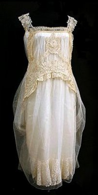 Brussels Lace Wedding Dress - c. 1923 - @~ Mlle I love the floaty lace work. Not the color