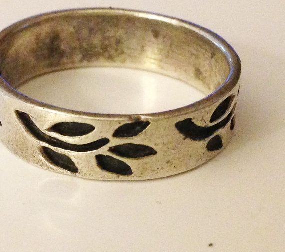 Sterling Leaves Ring Leaf Band Sz 9 Ladies Ring Modernist Ring Sz 9 MCM Simple Band MCM Leaf Pattern Black Oxidation Lost Wax Ring Band Sz 9