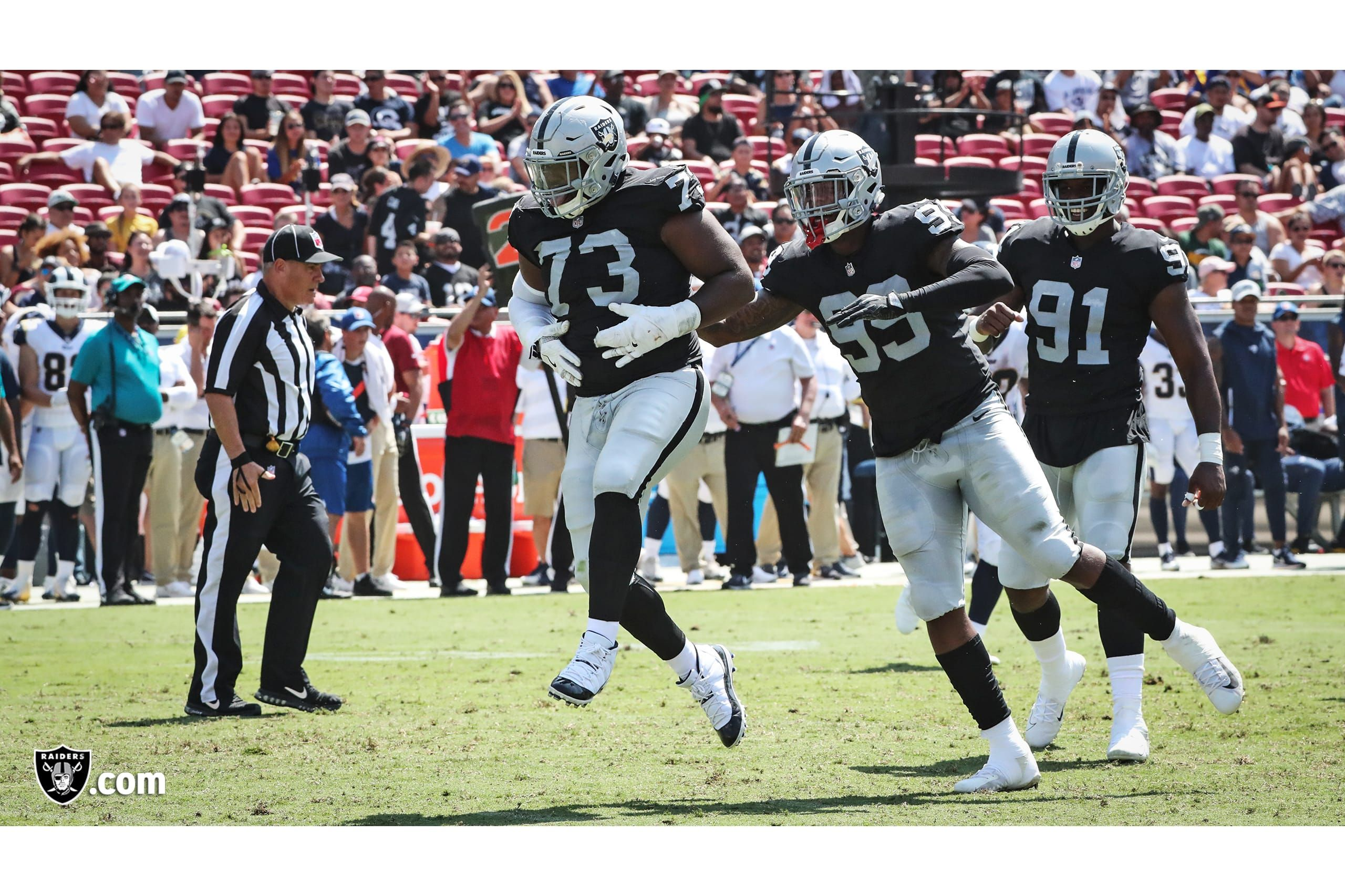 Oakland Raiders Linebacker Shilique Calhoun 91 And Defensive End Arden Key 99 Celebrate With Defensive Tackle Maur Raiders Oakland Raiders Los Angeles Rams