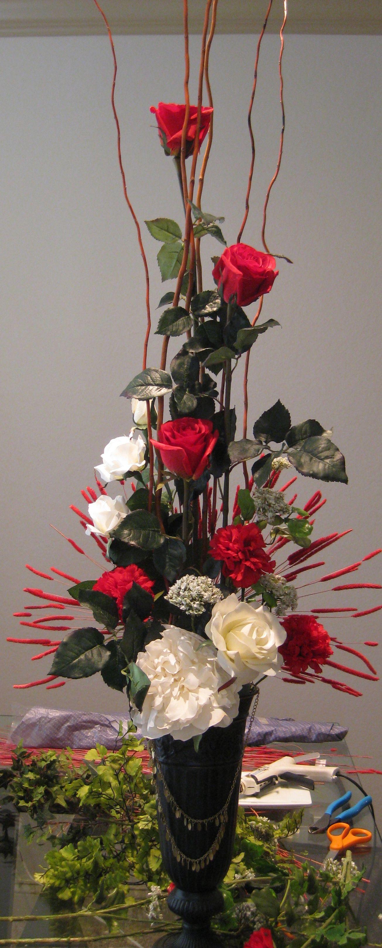 Diy valentine s day floral arrangement floral for Flower arrangements valentines day