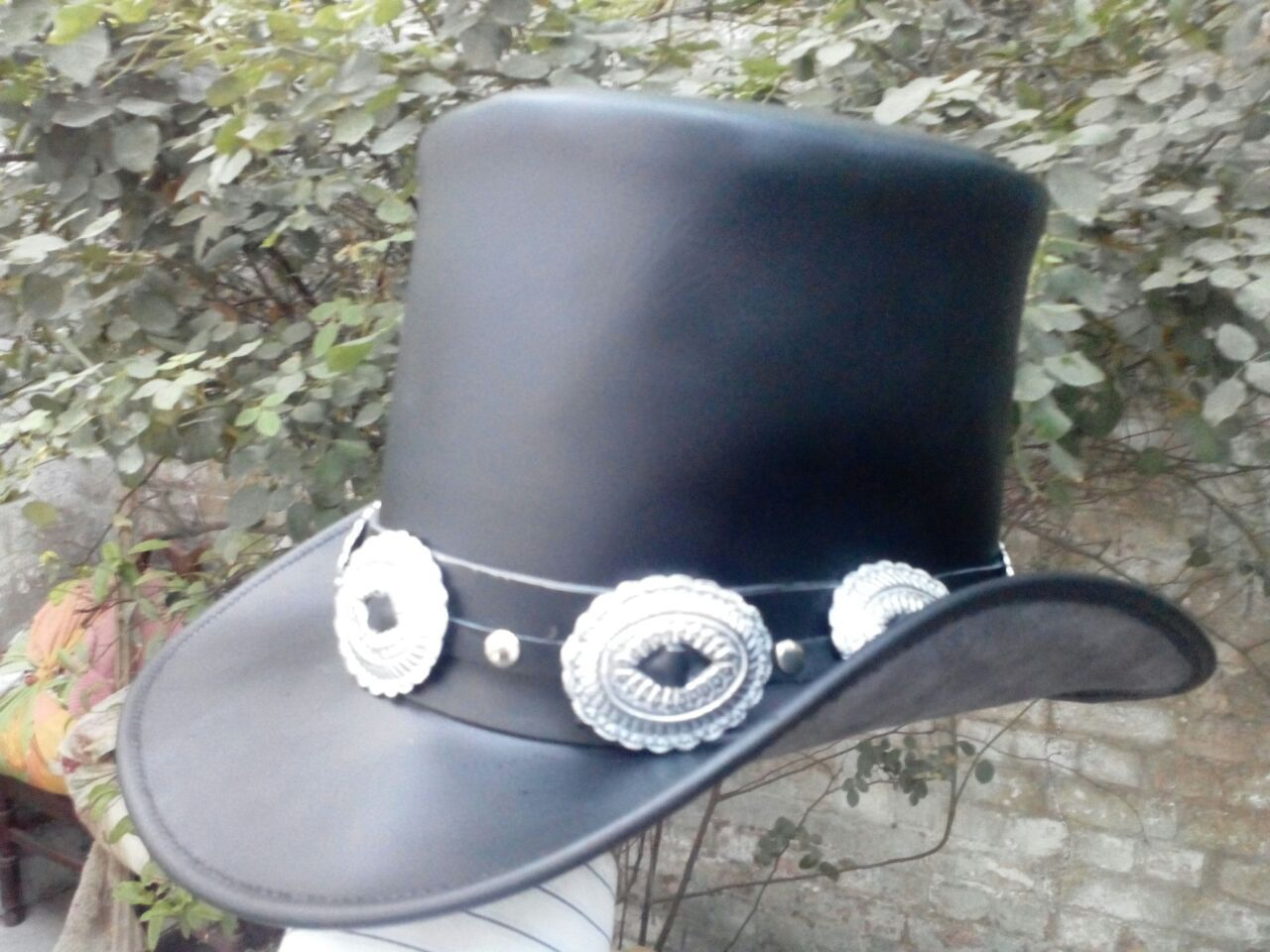 682978afe0072 Handmade Genuine Black Leather GUNS N ROSES SLASH Style Mens Top Hat ...