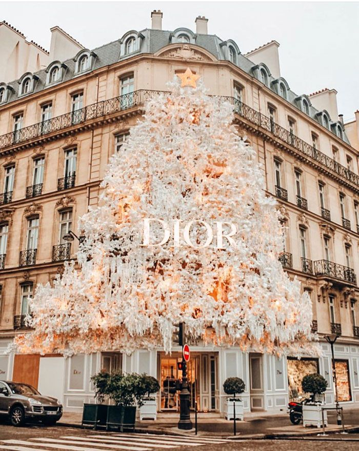 Dior Christmas Tree In Paris 2020 Our Paris Editor's Holiday Wishlist 2018 in 2020   Paris