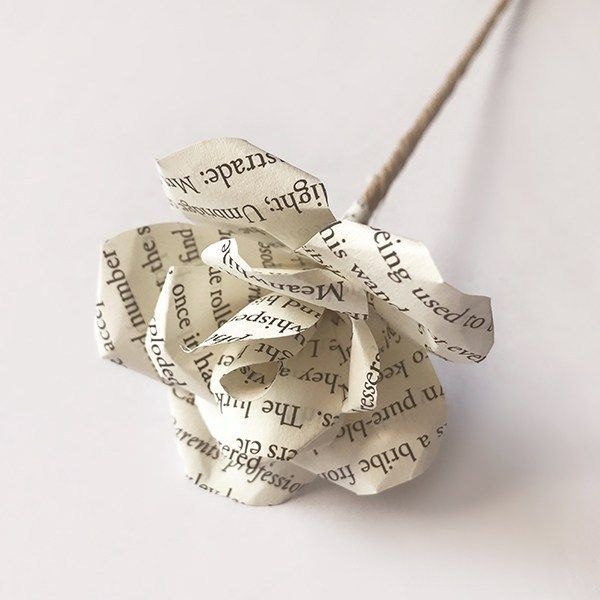 DIY: How to Make Paper Flowers Out of Book Pages #paperflowercenterpieces