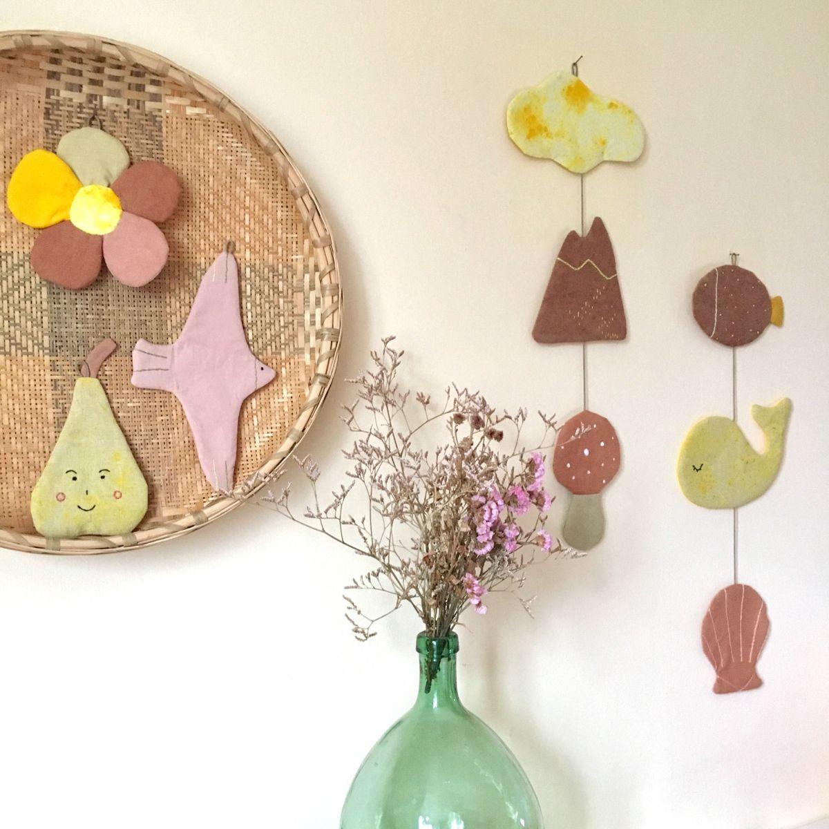 #broderiemoderne #embroidery #teinturevegetale #teinturenaturelle #naturaldye #botanicaldye #plantdye #kidsdecor #decoenfant