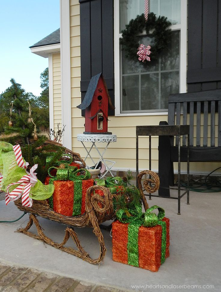 Top 40 Outdoor Christmas Decoration Ideas From Pinterest Christmas Celebration All About Christmas Christmas Porch Decor Front Porch Christmas Decor Outdoor Christmas