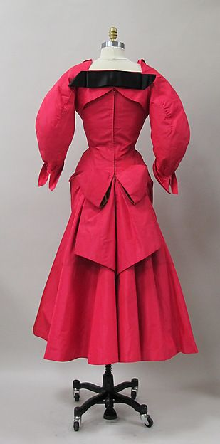 Ensemble  Designer:Charles James  Manufacturer:Sample made for Samuel Winston Date:1952–53 Culture:American Medium:silk