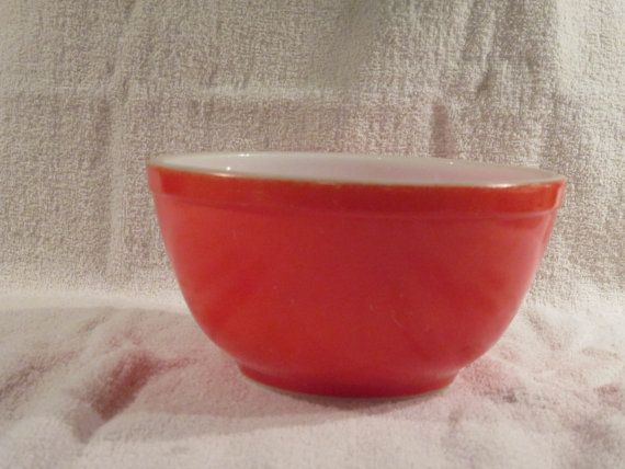Vintage Pyrex Red Unnumbered 1 1/2 Quart by thetrendykitchen, $35.00 ...