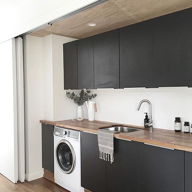 Washing Machine In Kitchen Design: Laundryspo!! Black And Timber With Loads Of Storage 🤗 ️️