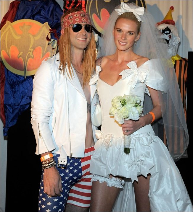 Pin for Later Over 250 Celebrity Halloween Costumes! Adam Levine and Anne Vyalitsyna dressed as Axl Rose and Stephanie Seymour for Maroon 2011 Halloween ...  sc 1 st  Pinterest & Halloweencostume inspired by Axl Rose and Stephanie Seymour ...