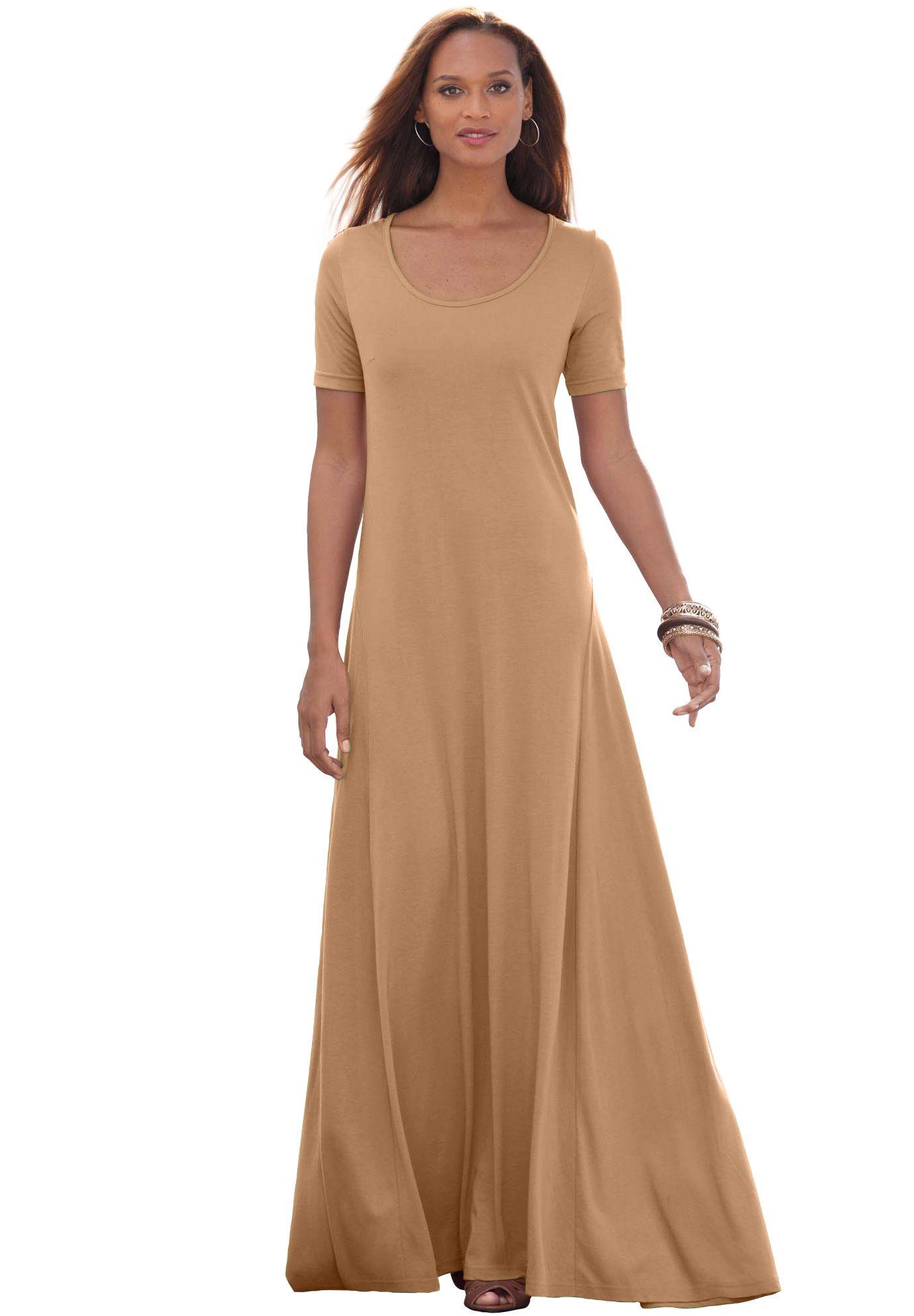 This elegant petite plus size maxi dress gives you an ...