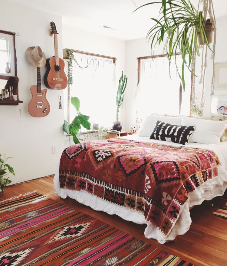 65 Bohemian Bedroom Decor Ideas (2020 Guide)
