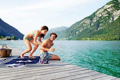 Kleine Abkühlung gefällig? Dann nix wie rein in den größten Badesee Tirols- dem Achensee!