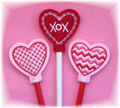 02d806326fa5b FELT - PENCIL TOPPER - HEART / COEUR / HART - Heart Pencil Toppers ...