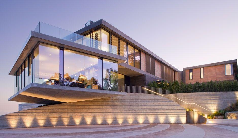 Balance Hill Situated High Above The La Basin By Kaa Design Architecture Interior Architecture Design Modern Architecture Contemporary house in la