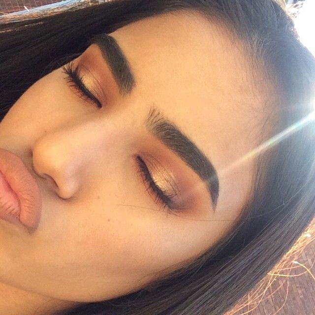de eye makeup