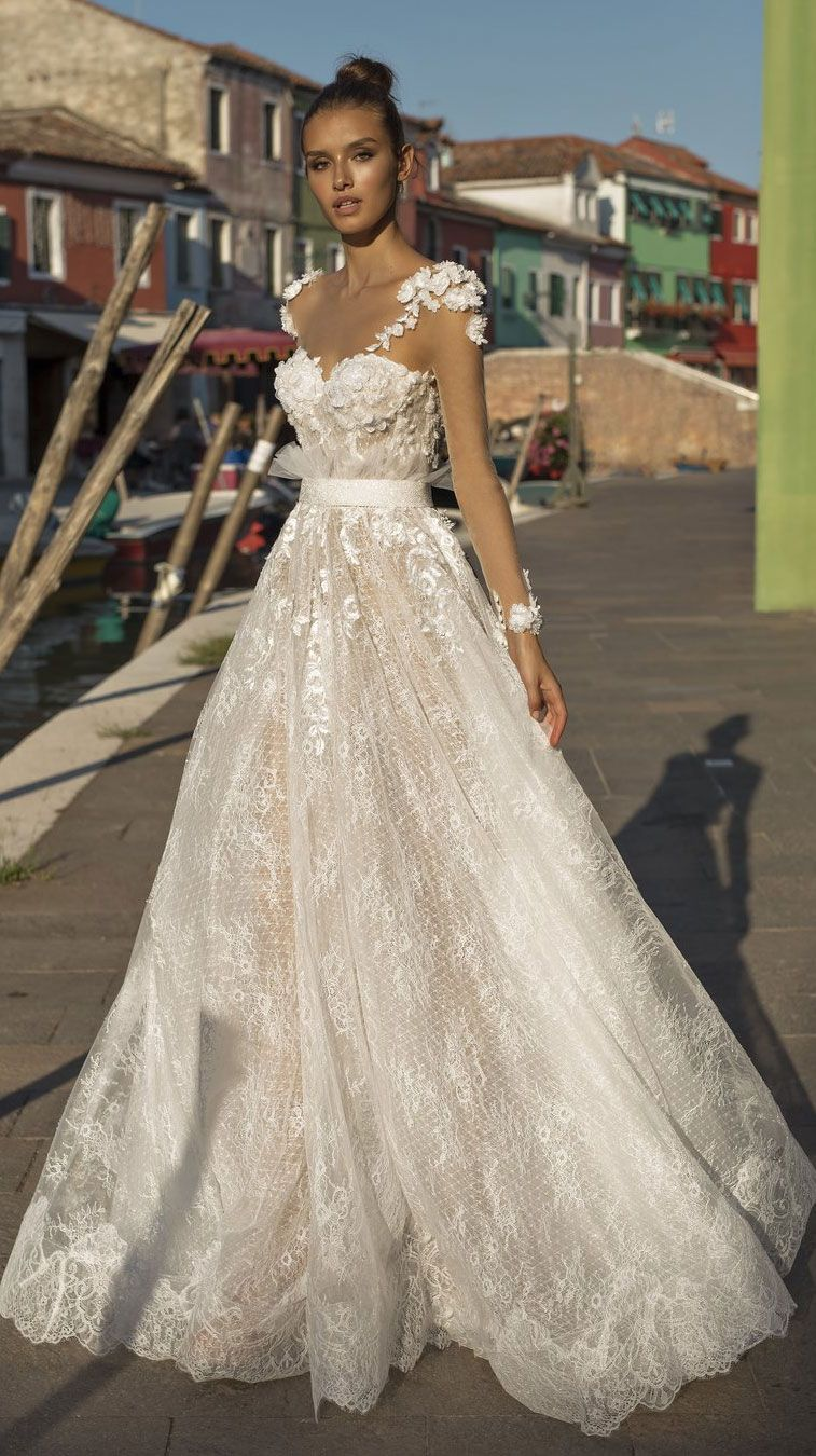 Stunning wedding dress with amazing details - off the shoulder ball gown wedding dress #weddingdress #weddinggown