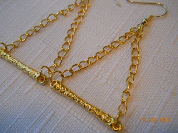 """2"""" Long Gold Chain Earrings with an Ornate Gold Bar by maryannsway on etsy"""