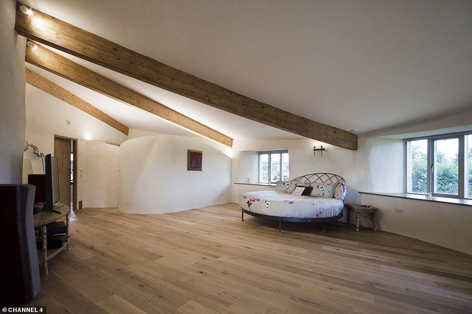 Grand Design S Return To Cob House That Broke Up Family Best Ever Cob House House Grand Designs
