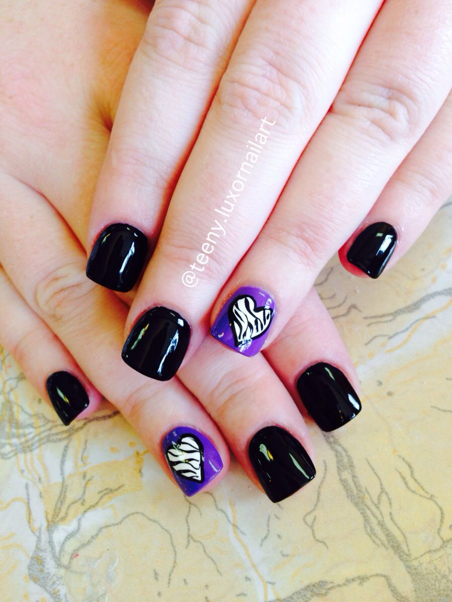Black Nail Polish Art