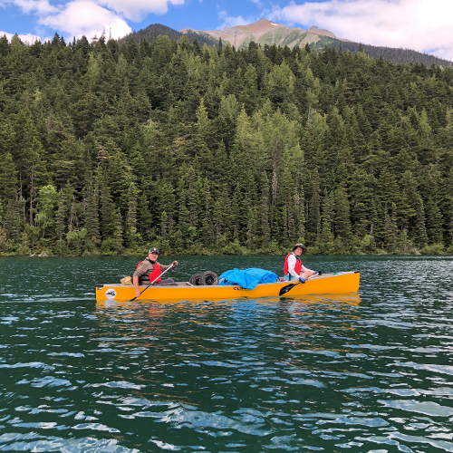 Backcountry Gearhead Hailey Terry Paddled The 72 Mile Long Bowron Lake Canoe Circuit In Four Days Here S Her Story In 2020 Canoe Lake Adventure