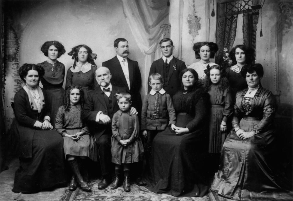 Kennedy Family | File:StateLibQld 1 200839 Kennedy family group portrait, 1910.jpg ...