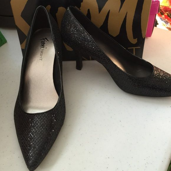 Fioni Night Black Heels Worn less than an hour. Size 9W Merry Joyeux Glittery Black. Fioni Night Shoes Heels