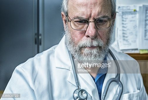 senior-adult-man-gray-beard-doctor-picture-id536609723 (503×340)