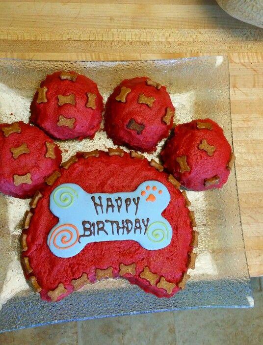 Dynasty's birthday cake