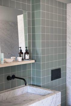 mooie kleur + bleke voeg. - architect v2 | Pinterest - Badkamer ...