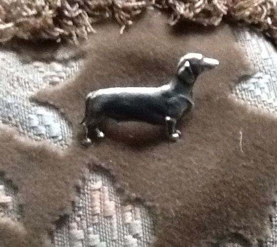 Vintage 1960s SILVER DACHSHUND,DAXI,TECKEL,DOXI,WEINER SAUSAGE DOG PIN BROOCH in Jewellery & Watches, Costume Jewellery, Brooches & Pins | eBay