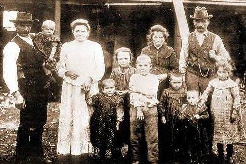 FamigliaCastagnaColoniCapitanPastene1910 - Chile - Wikipedia, the free encyclopedia