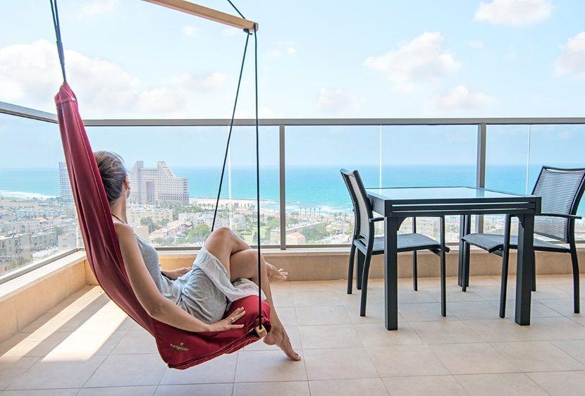 Renovated Apartment in Haifa by Irena Elbaz