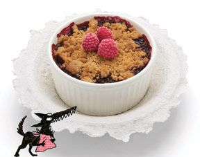Recette de crumble : un dessert au chocolat et aux fruits rouges à faire avec les enfants
