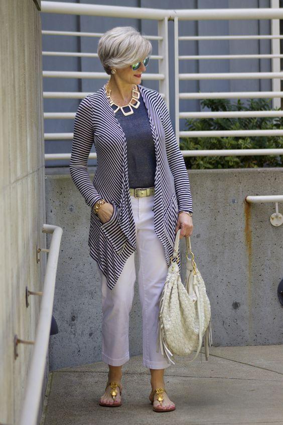c9a3185f00 Moda para Mujeres Mayores de 50 Años   Combinaciones de prendas de ...