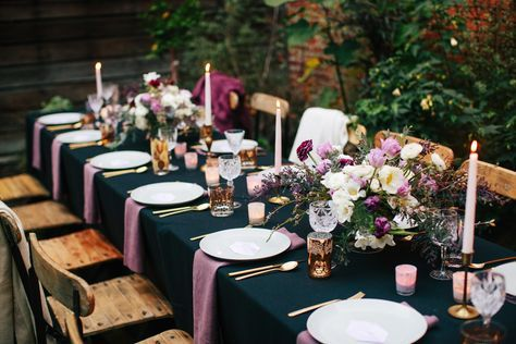 La Tavola Fine Linen Rental: Nuovo Black with Tuscany Plum Napkins | Photography: Anna Wu Photography, Event Design: Amanda O'Shannessy Creative, Floral Design: Natalie Bowen