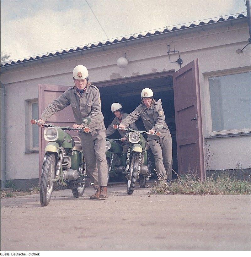 Historique : motos de la GST (RDA) B4dd589c7060344b20297a8f9ebbad74