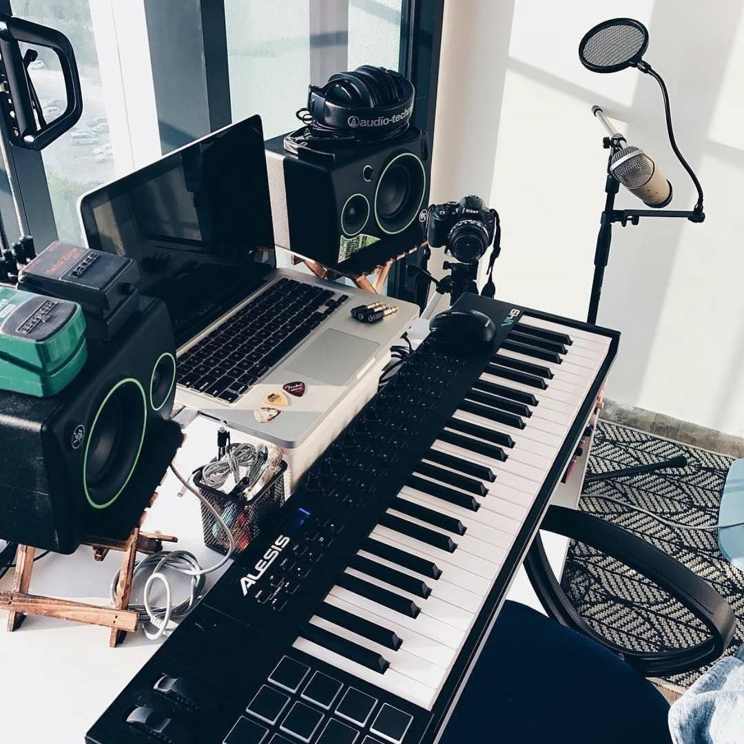 Musicianlifeofficial 47190239 2256968861249675 2135768426820315611 N Musicianlifeofficial Devenirb Chambre De Studio Studio Enregistrement Formation En Ligne