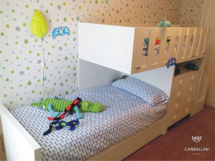 Litera tren para habitaci n infantil y juvenil con tres camas escalones y c moda de cajones - Habitaciones juveniles tipo tren ...