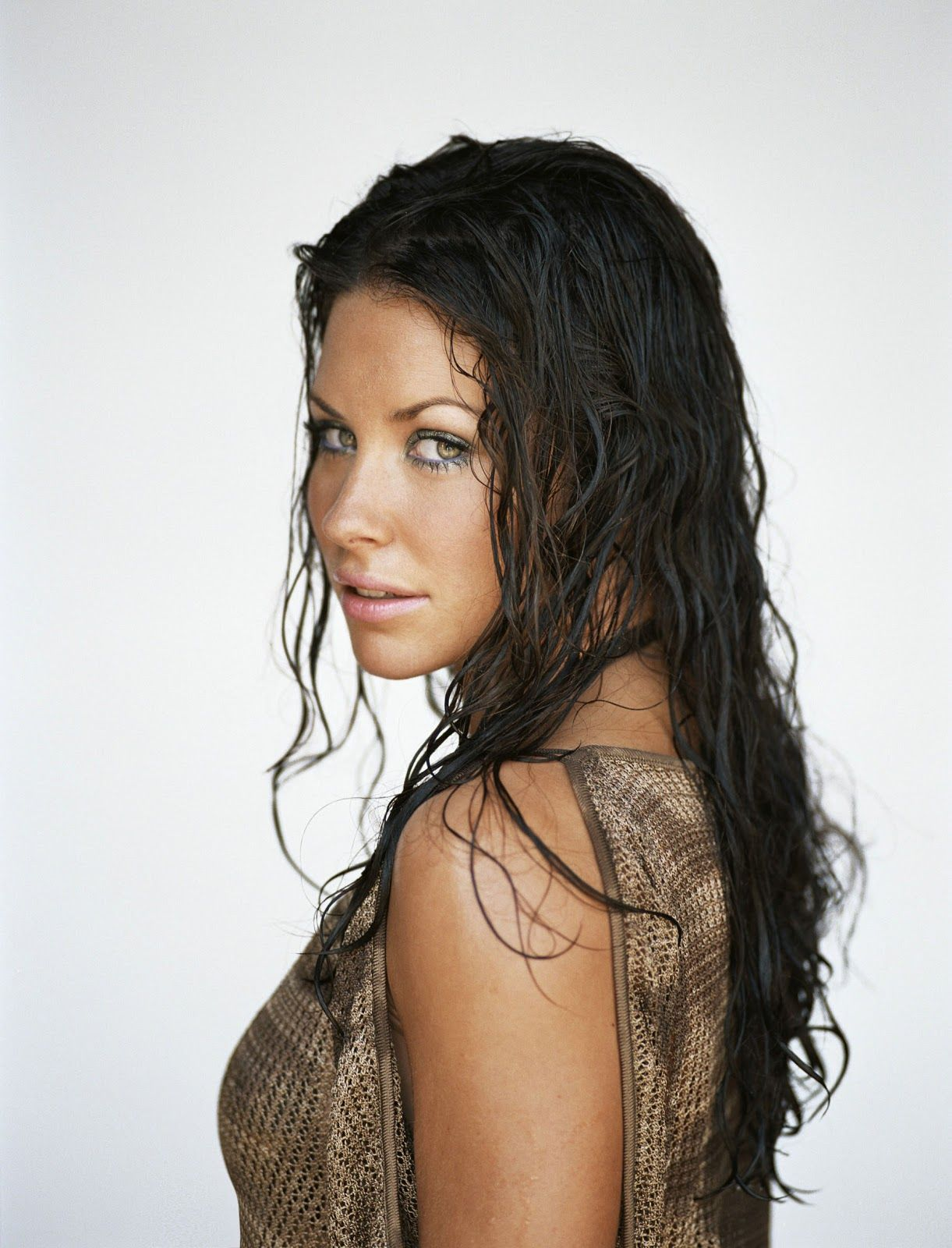 Evangeline Lilly | Evangeline lilly, How to curl your hair