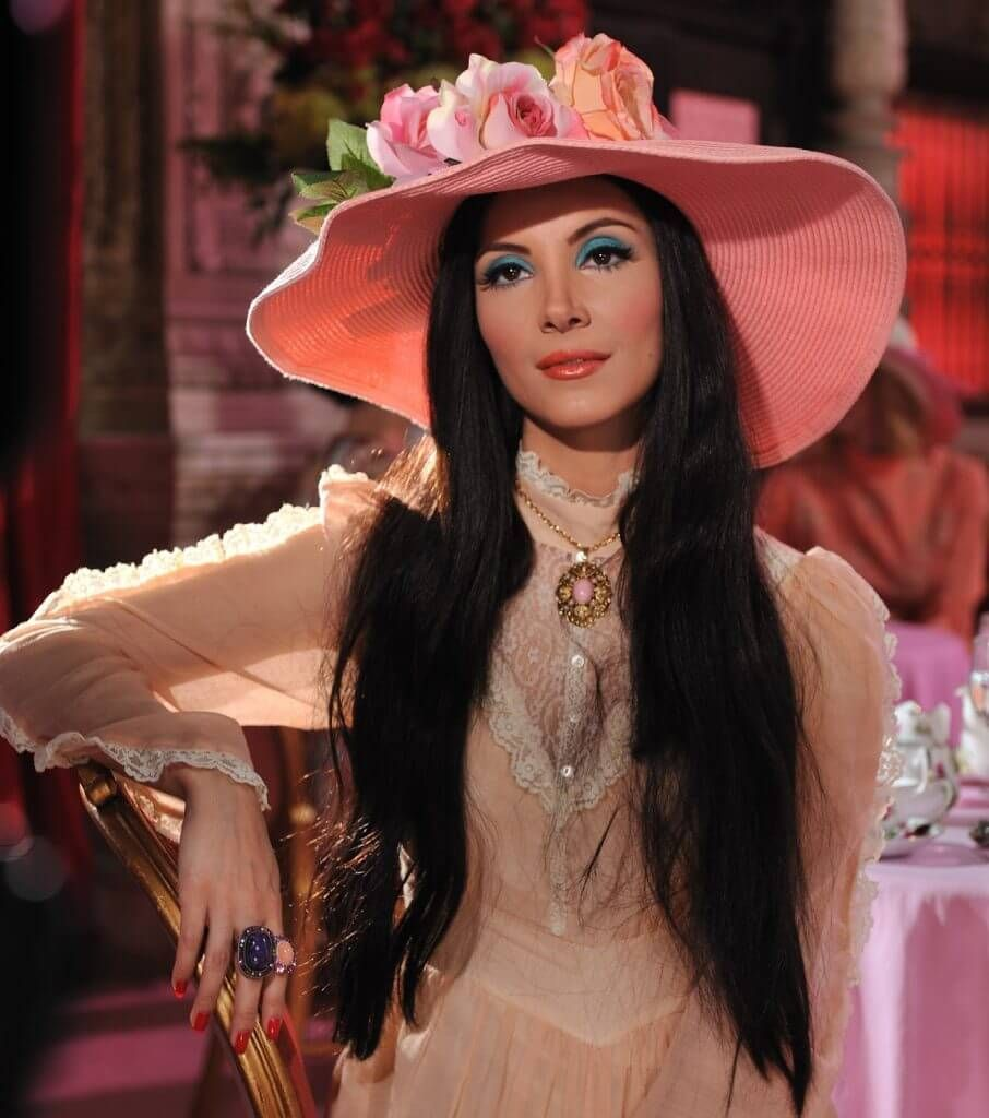 Pin by esmeralda chavez on halloween costumes in pinterest