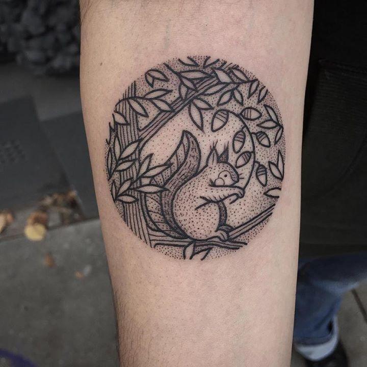 Pin De Maria Alfaro En Tatuajes Tatuaje De Ardilla Love Tatuaje
