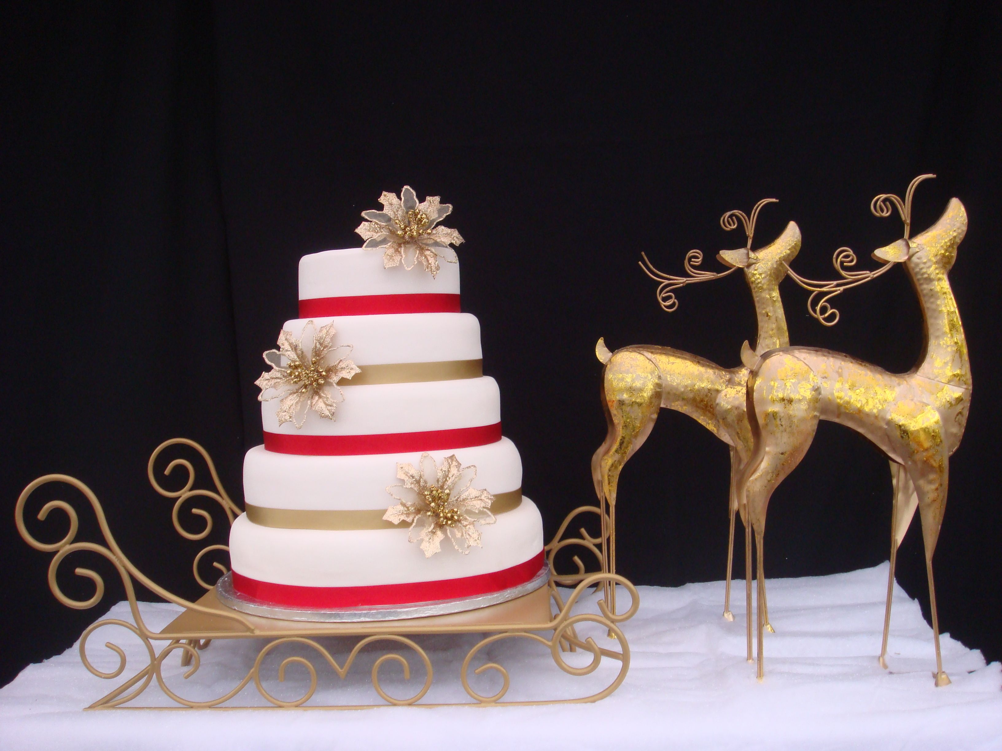 Gold Sleigh Cake Stand For Hire With Or Without Reindeer
